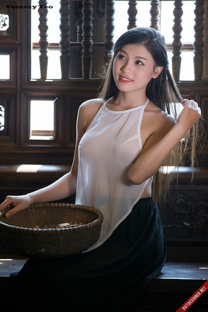 Hot girls Vietnamese girl selling medicines 6