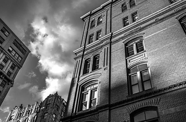 Edificio que se muestra como ejemplo de inversión en vivienda para alquilar