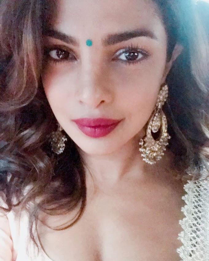 Priyanka Chopra Cute Selfies Instagram