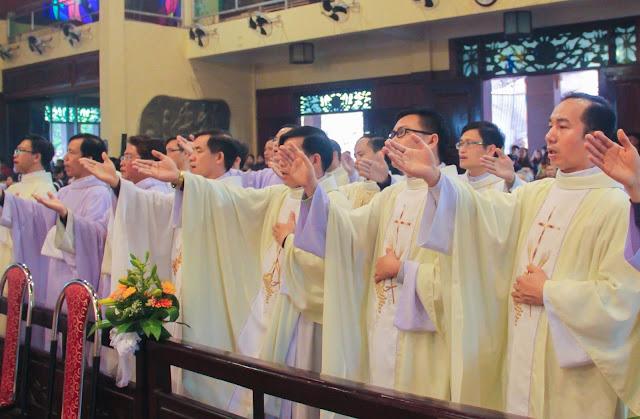 Lễ truyền chức Phó tế và Linh mục tại Giáo phận Lạng Sơn Cao Bằng 27.12.2017 - Ảnh minh hoạ 173