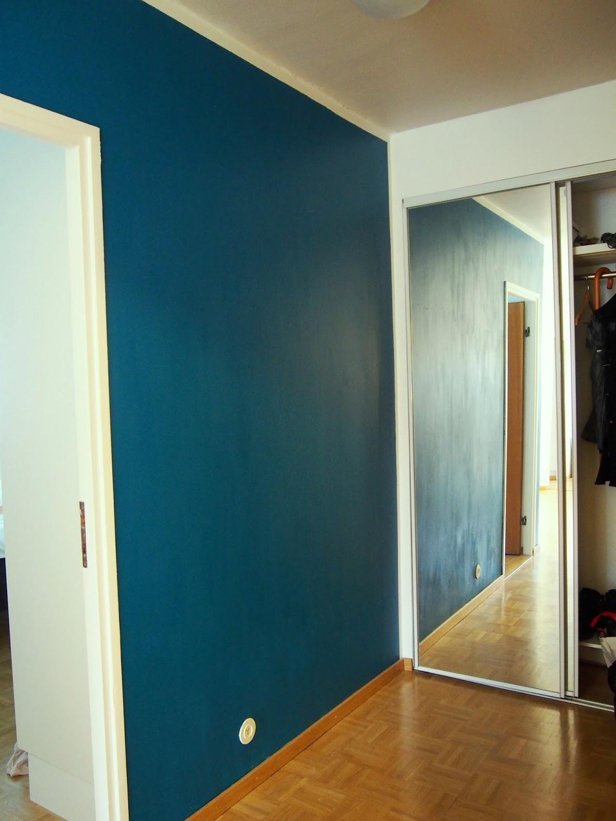pertol blue petroli mosaikki sininen seinä wall maali paint