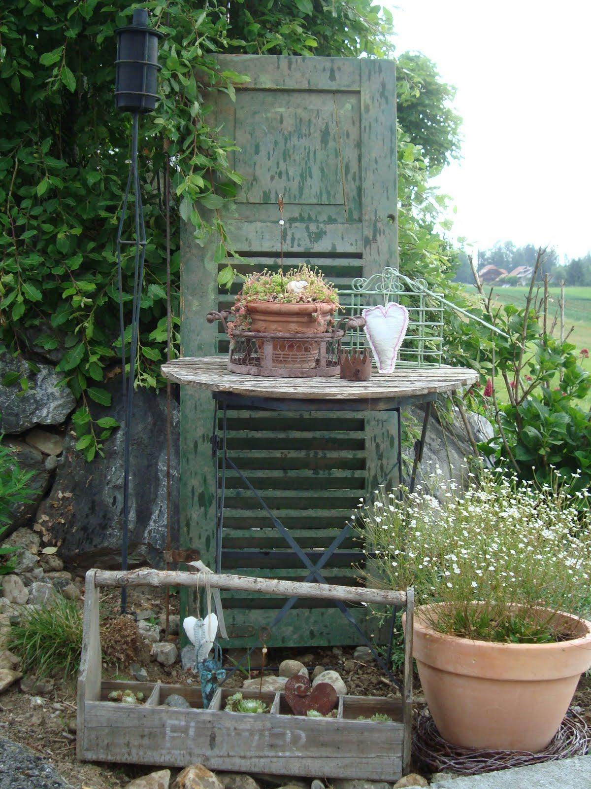 Alte Fensterläden Im Garten Windlicht Kerzenhalter Holzbalken