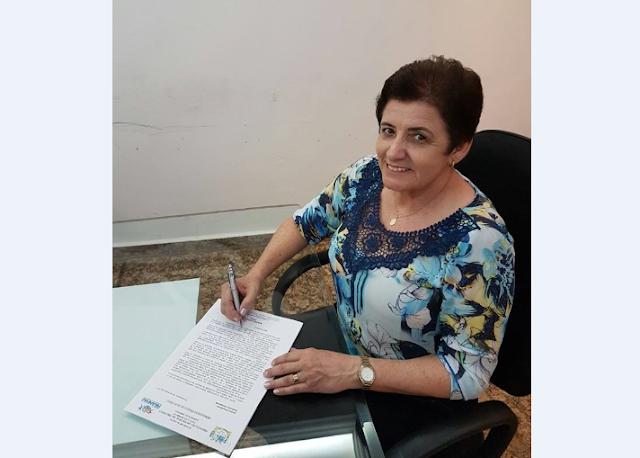 Prefeita Maristela concede reajuste de 5% acima do Piso Nacional para os servidores da educação
