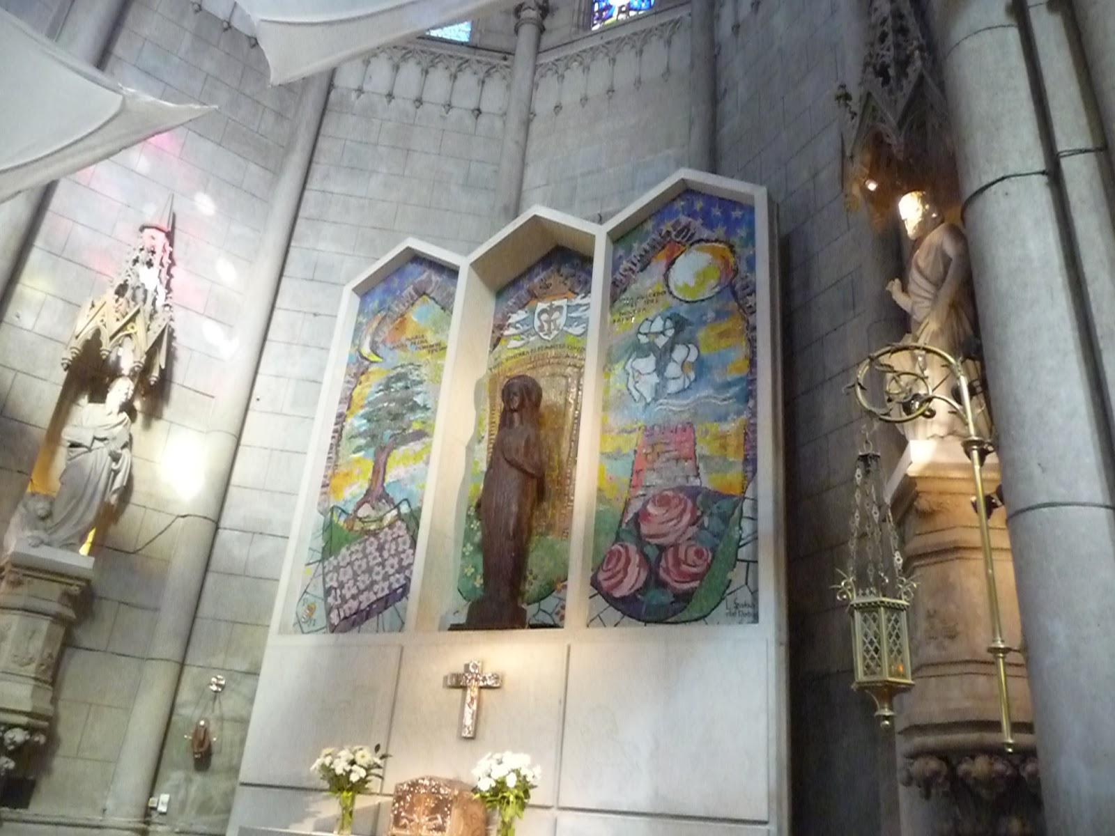 Her Ldica En La Argentina Escudo Mariano En La Catedral