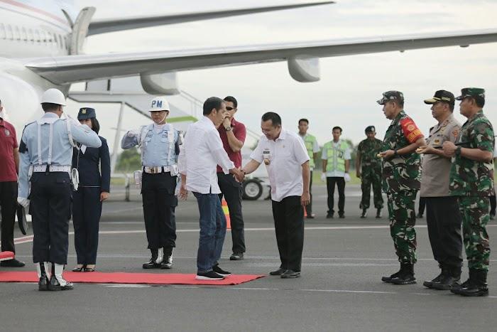 Gubernur Ridho dan Pangdam Sriwijaya Sambut Presiden Jokowi di Bandara Internasional Radin Inten II