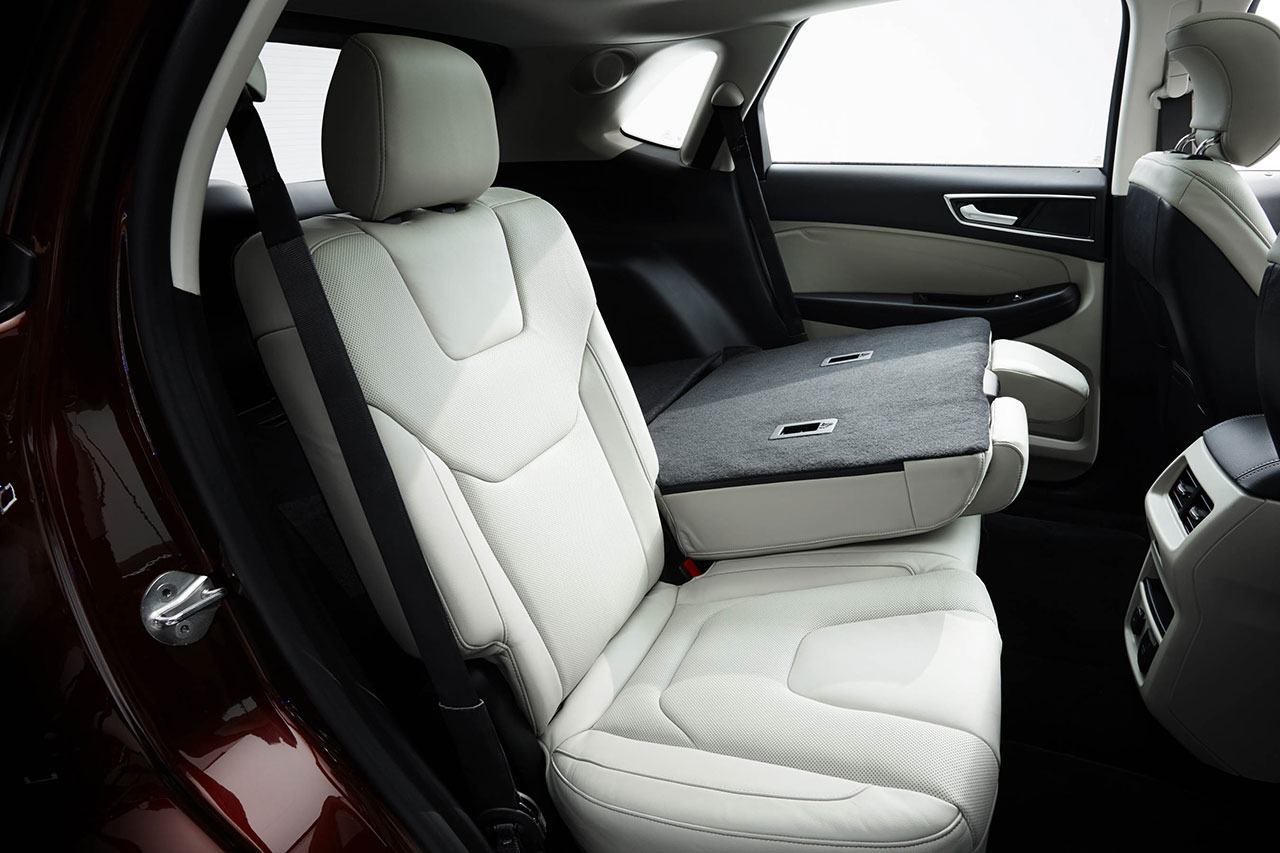 Ford Edge back seats