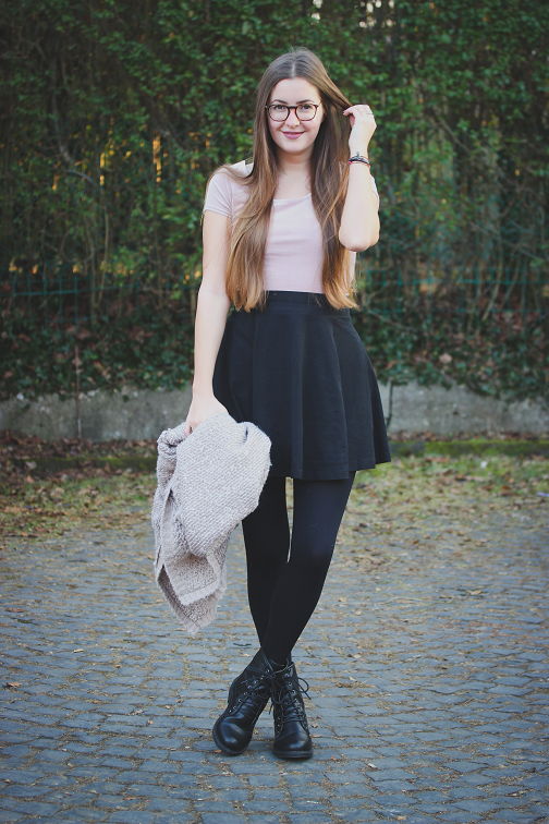 quality design 6a993 7f89d beautyelfe: Outfit: Rosa Crop-Top aus Samt und Skater-Rock