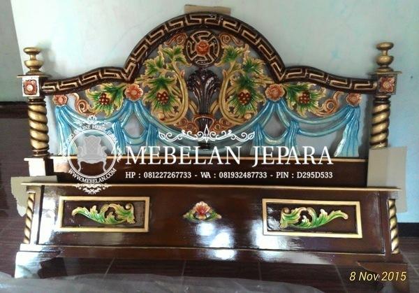 Produk Mebel Jati Ukir Jepara Sudah Finishing