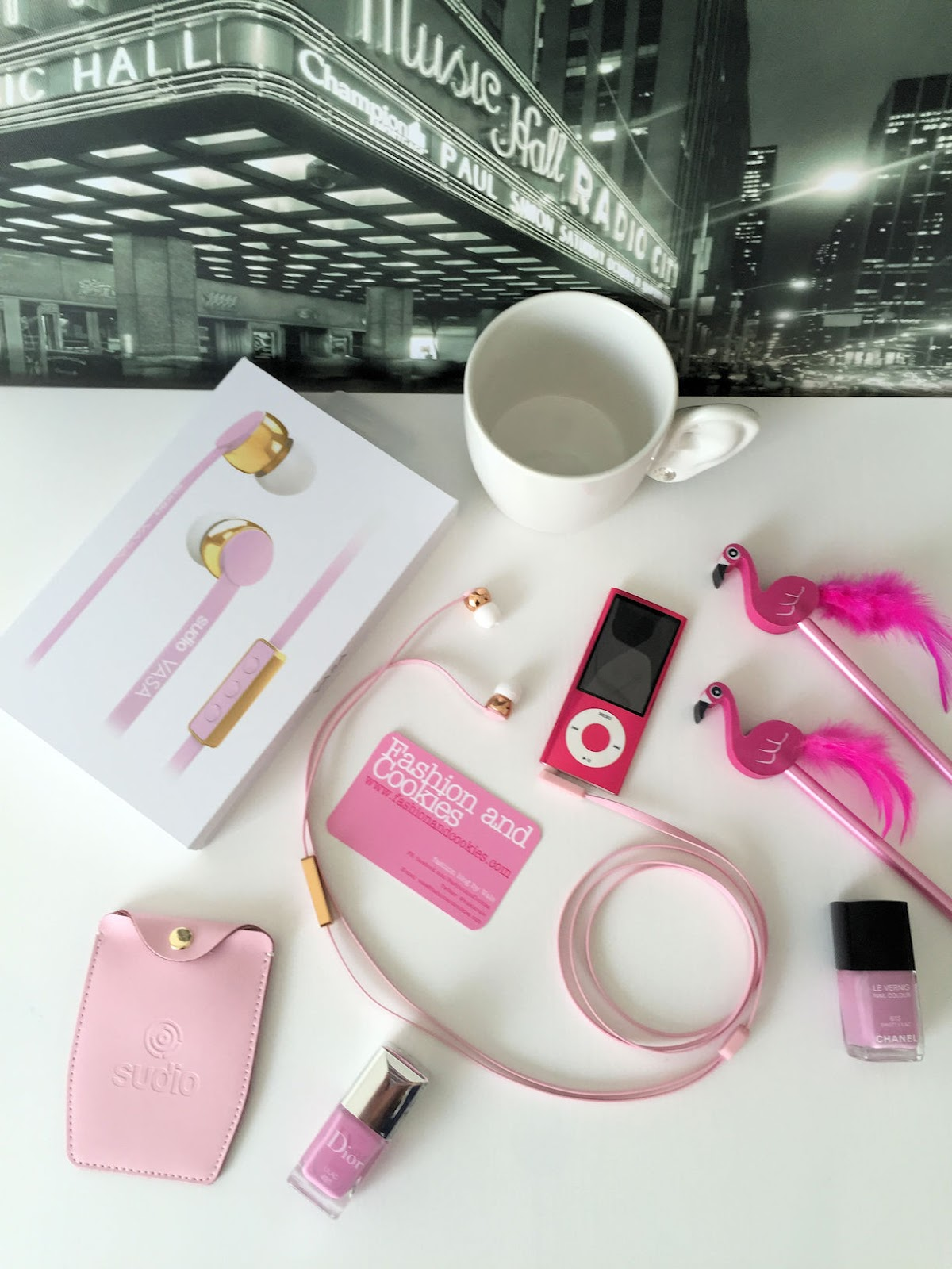 Sudio Sweden Vasa Earphones review on Fashion and Cookies fashion blog, fashion blogger style