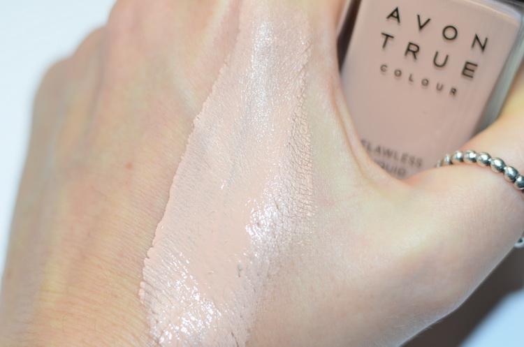 Avon True colour  Flawless liquid foundation #Light ivory Тональный крем для лица «Безупречный тон»