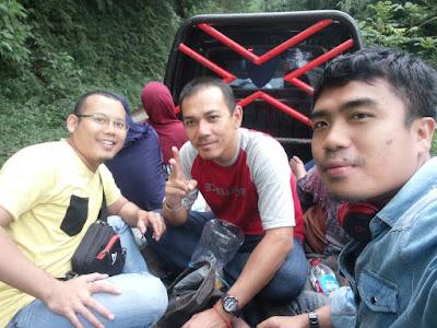 Hitchhiking Ke Bandung