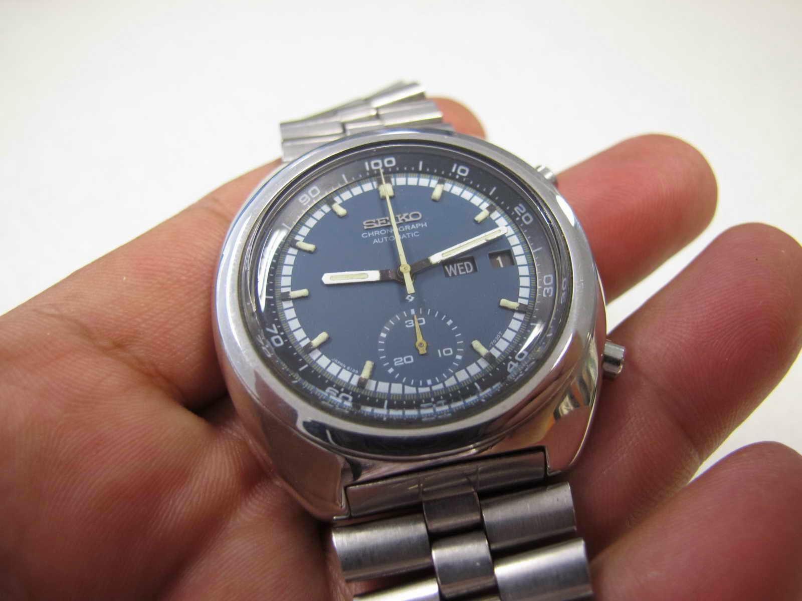 Cocok untuk Anda yang sedang mencari jam legendaris Seiko Chronograph  dengan sebutan JENGKOL ini... dengan kondisi maknyus.... vintage.... RASA   MINT . c0999b8bc8