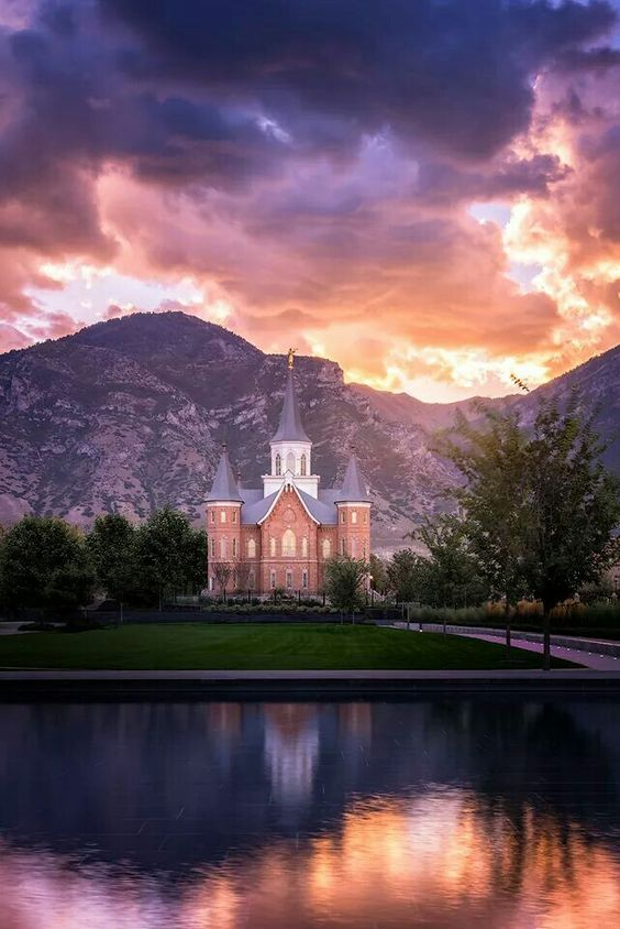 Mormon Temple, Utah, USA
