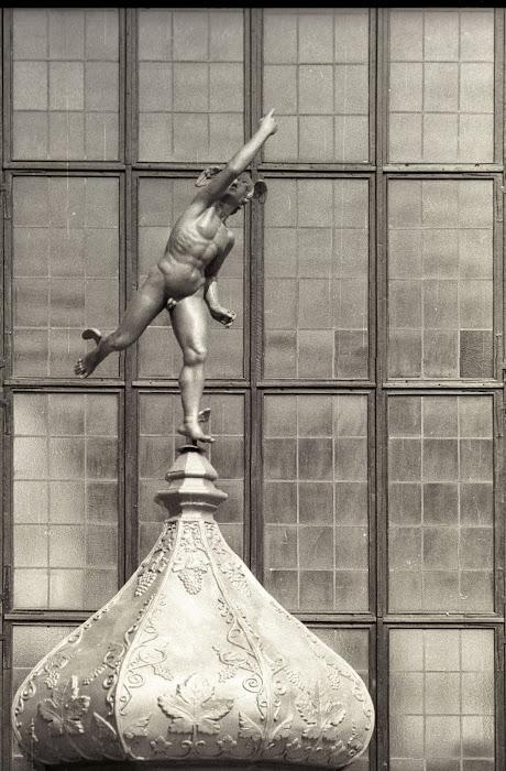 Gdansk, Dlugi Targ, Hermès, Dwor Artus, © L. Gigout, 1990