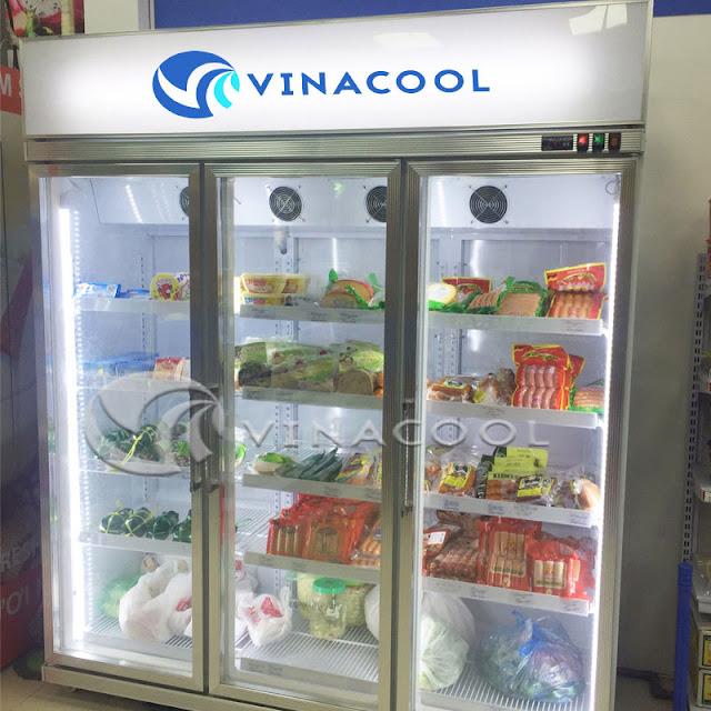 tủ lạnh trưng bày nước ngọt 3 cánh kính