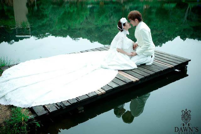 jetty wedding photo