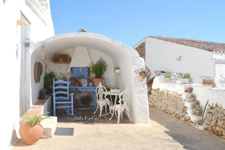 El estilo mediterráneo es una constante en la decoración veraniega, aprende todas las claves de este estilo siempre tan lleno de luz