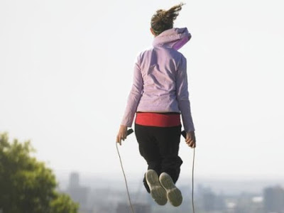 Lompat tali mengecilkan lengan