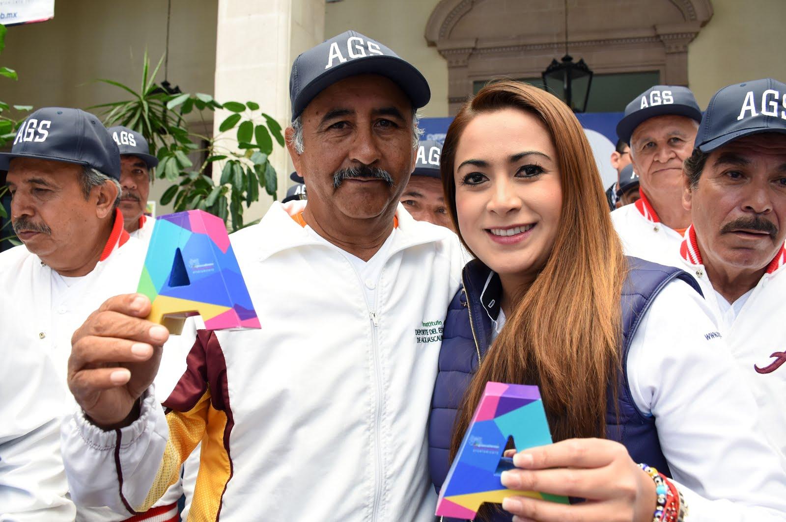 Tere Jiménez Reconoce el Esfuerzo de Beisbolistas Veteranos  cf3f4eb257e