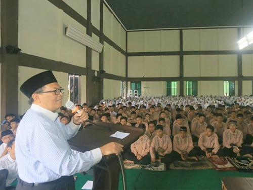 Oded M Danial Membuka Kegiatan Pesantren Ramadan