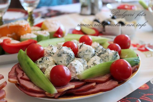 Idei de aperitive - bulgari feta si icre in castraveti