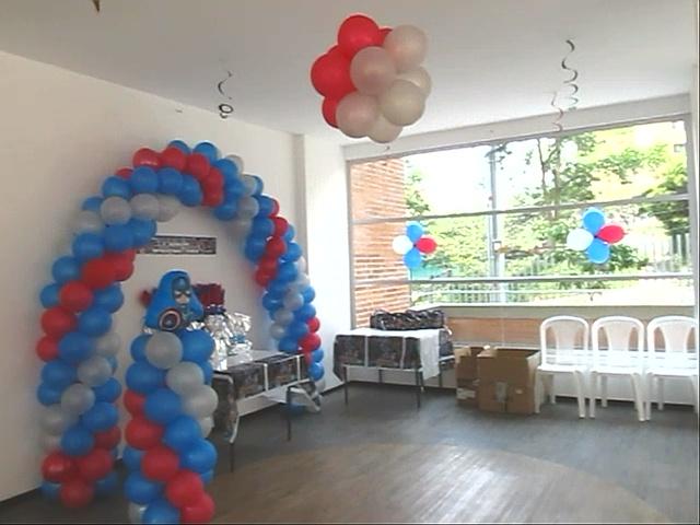 Adornos de globos capitan america decoraci 243 n con - Decoracion con biombos ...