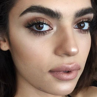 10 Simple Ways to Grow Thick Eyebrows Naturally