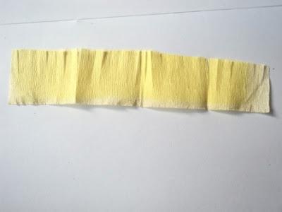 Gambar 1 kertas crepe kuning
