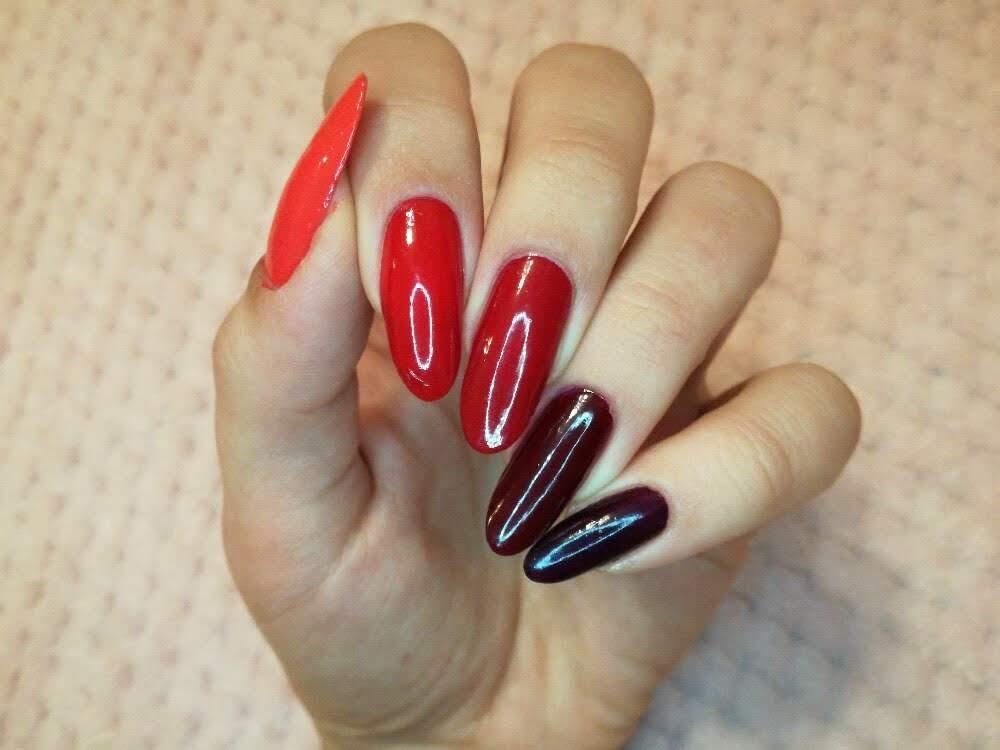 czerwone paznokcie ombre