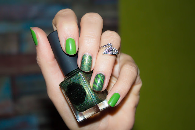 Monday Shadow Challenge : 50 nuances de vert :)