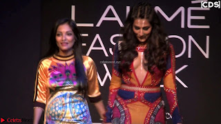 Chitrangada+Singh+walks+the+Ramp+in+Sizzling+Deep+Neck+Top+%7E+CelebsNext+Exclusive+004.jpg