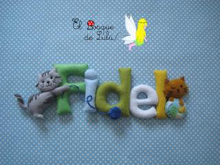 nombre-fieltro-felt-feltro-elbosquedelulu-hechoamanoparati-gato-gatitos-regalo-personalizado-name-banner-babyroom-decoración-infantil