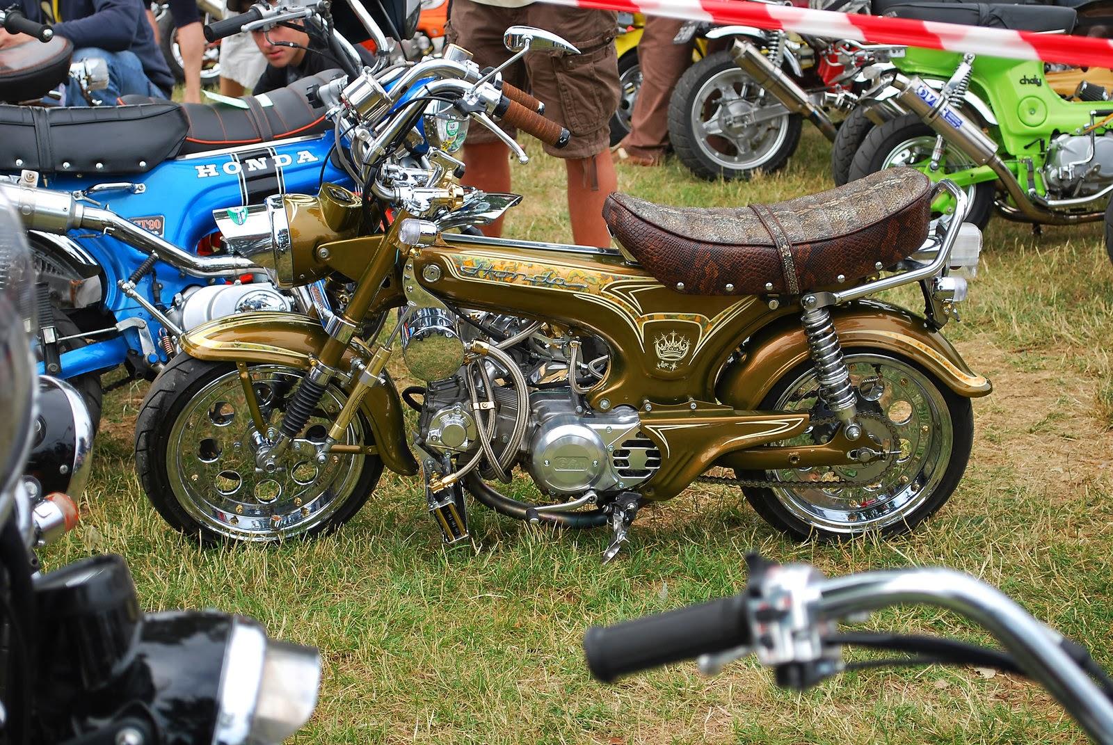historia motos personalizadas moto tuning 110. Black Bedroom Furniture Sets. Home Design Ideas