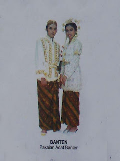 Nama Pakaian Adat Banten : pakaian, banten, February, Fiana1