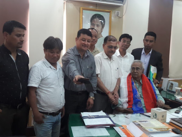Cinchona Plantation workers union met minister Rajjak Moulla