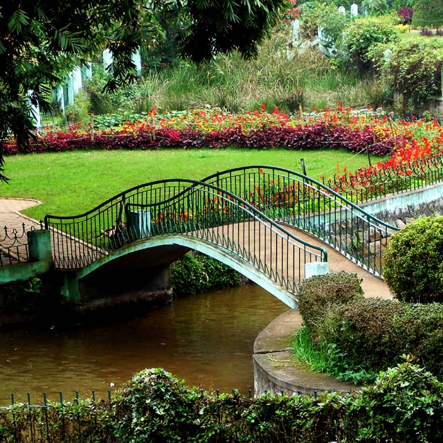 foot bridge government botanical gardens ooty