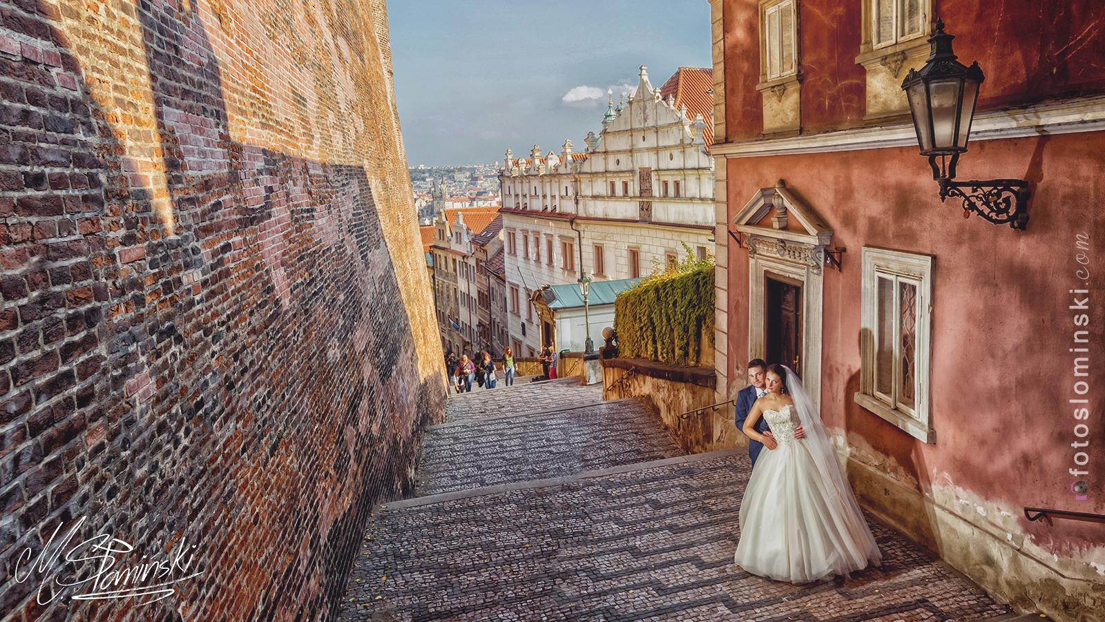 Fotografia ślubna - FotoSlominski - Sesja plenerowa w Pradze #ZdjęciaSłomińskiego