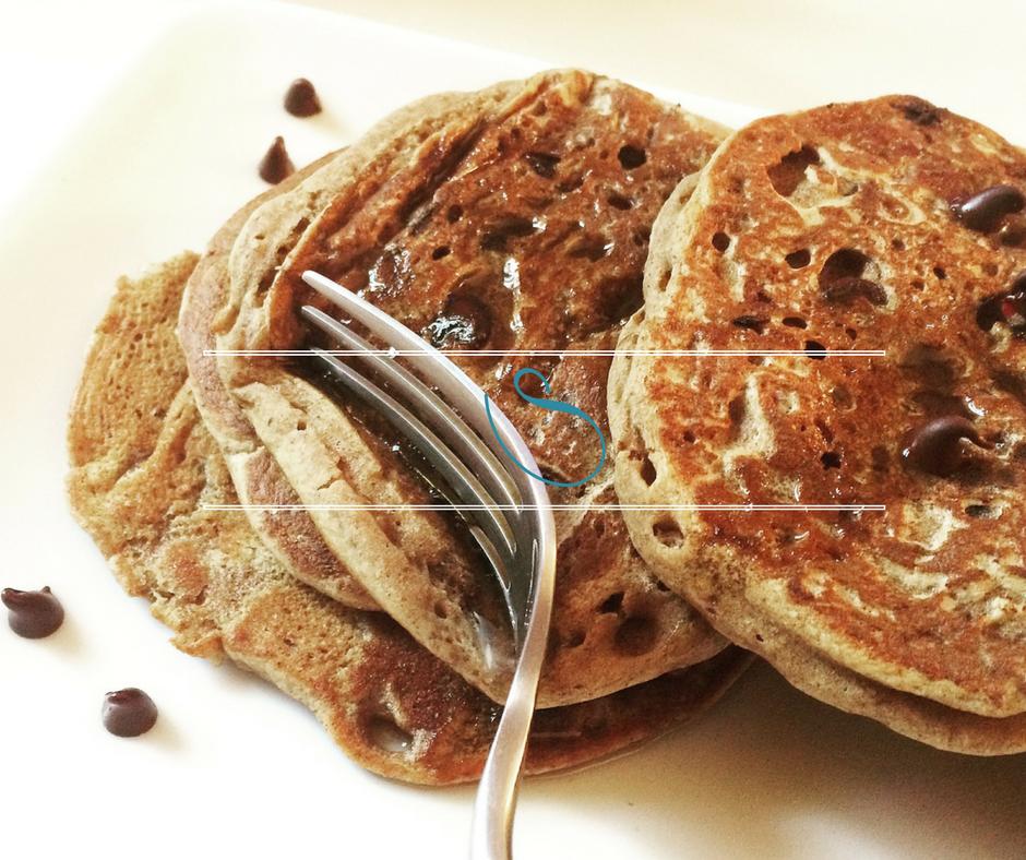 #Easy vegan & lactose free dark chocolate chip pancakes | Pancakes aux pépites de chocolat noir vegan & sans lactose