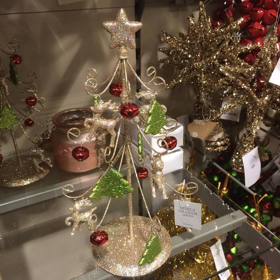 Charmant Glittery Christmas Tree