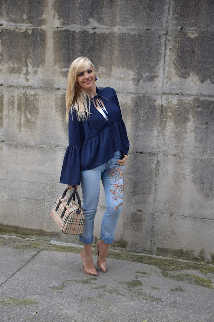 outfit blu come abbinare il blu abbinamenti blu how to wear blue blue outfit outfit camicia blu  outfit ottobre 2016 outfit autunnali  fashion blogger italiane mariafelicia magno web influencer italiane outfit casual camicia sammy dress