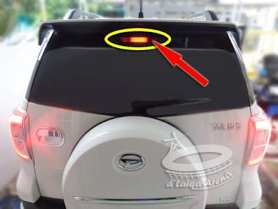 Lampu Rem Atas Daihatsu Terios