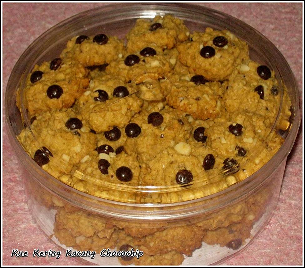 Ayumie Cake Kue Kering Kacang Chocochip