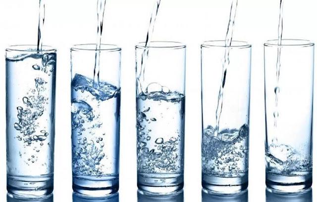 Minum Sebanyak Lebih Dari 4 Liter Air Per Hari