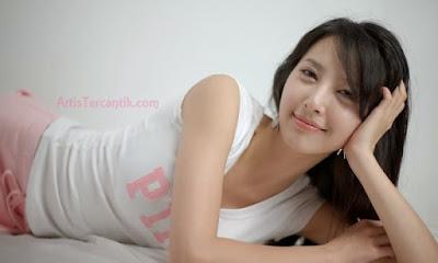 Model Korea Selatan Terseksi Shin Sun-ah