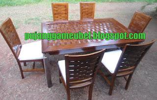Meja kursi makan anyaman