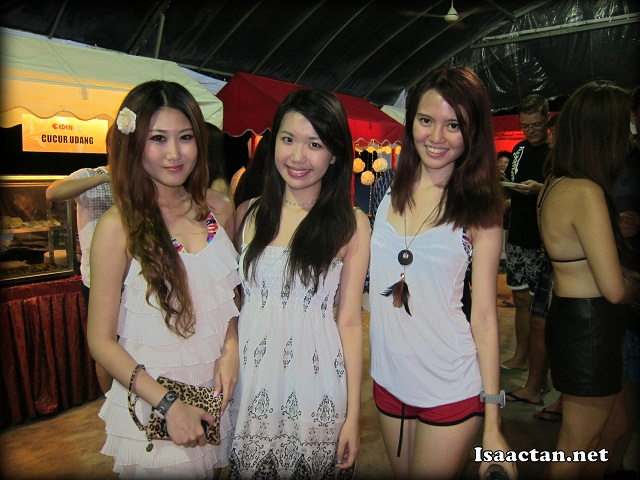 Pretty bloggers at Carlsberg Where's The Party Penang