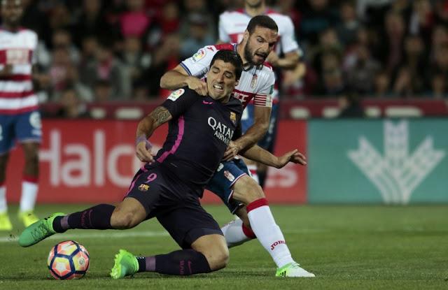 Suarez dan Neymar Bikin Gol, Barca Benamkan Granada
