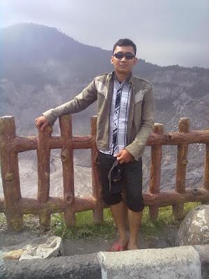Selfie di Gunung Tangkuban Parahu