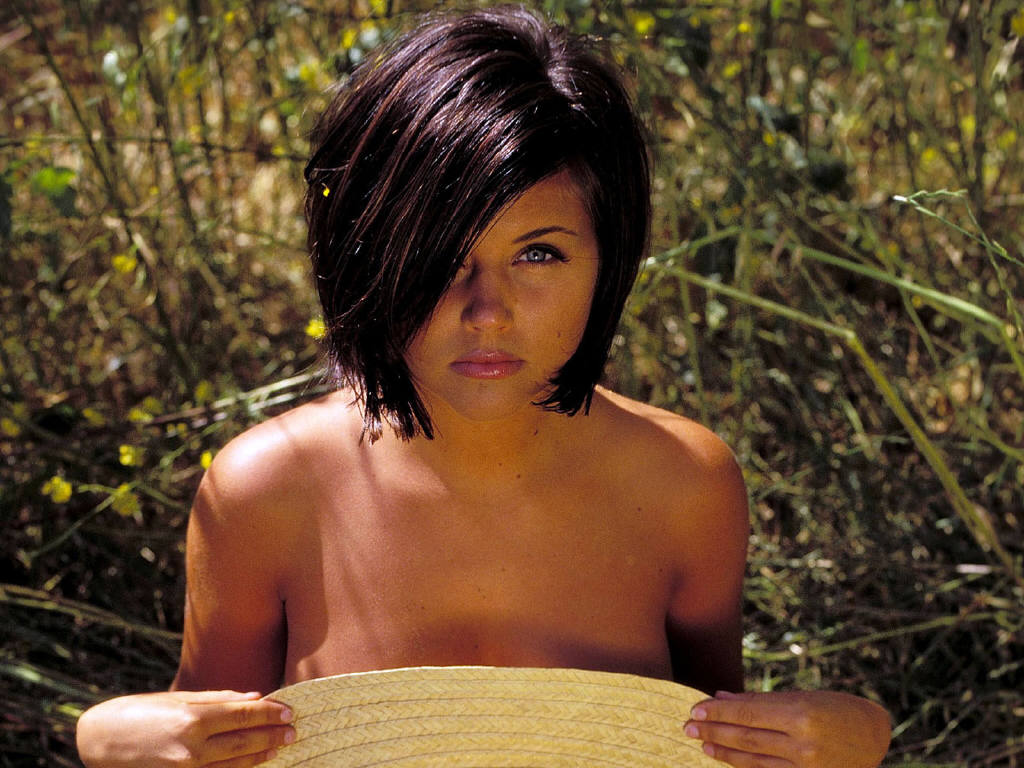 Tiffani Amber Thiessen. 1024 x 768.Hairstyles Now And Then