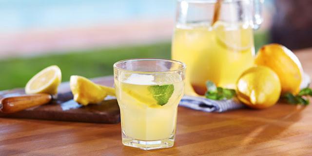 Pengobatan Alami Asam Urat Dengan Perasan Lemon Yang Nikmat Tapi Cepat Ala Cara Hade